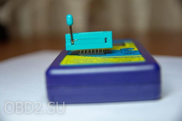 Универсальный тестер транзисторов - не стыковка с зажимной панелькой