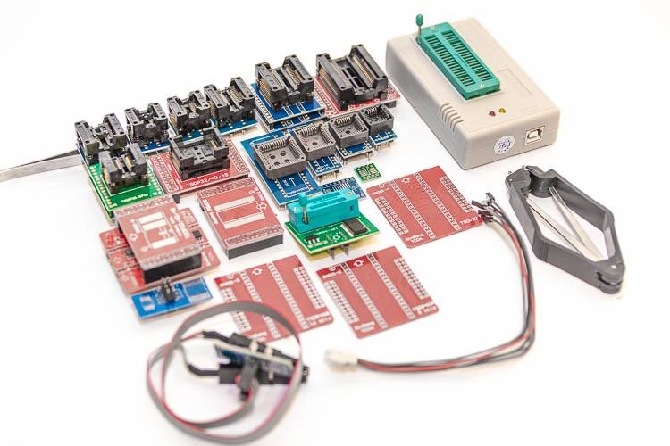 MiniPro (XGecu) TL866II Plus с полным комплектом переходников (колодок)